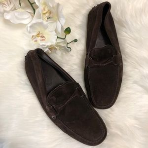 🧔🏽NEW LISTING🧔🏽 TODS suede brown loafer